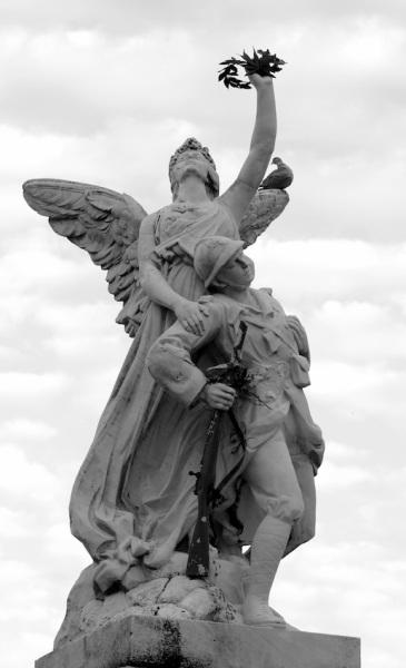 Serge Philippe Lecourt - monument aux morts Avranches 2014