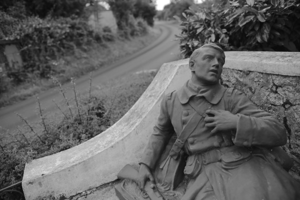 Serge-Philippe-Lecourt- 2014-Monument-aux-morts-Champeaux (50)