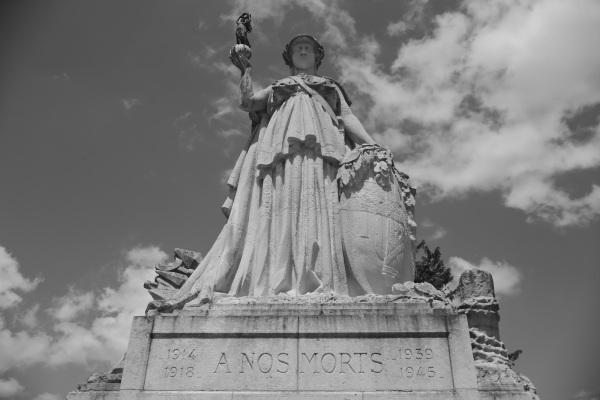 Serge Philippe Lecourt-2015-Monument-aux-morts-Lisieux-(14)-5 2