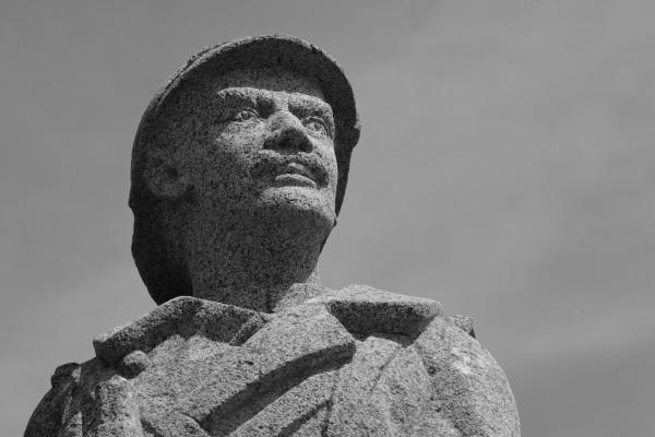 Serge-Philippe-Lecourt- 2014-Monument aux morts Le Foeil (22)