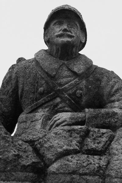 Serge-Philippe-Lecourt-2015-Monument-aux-morts-St-Germain-de-Tallevende-14-8