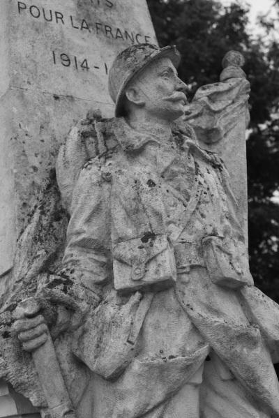 Serge-Philippe-Lecourt-2014-Monument-aux-morts-Sainte-Marguerite-sur-Duclair-2