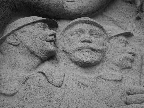 Serge-Philippe-Lecourt-2015-Monument-aux-morts-Falaise-14-22