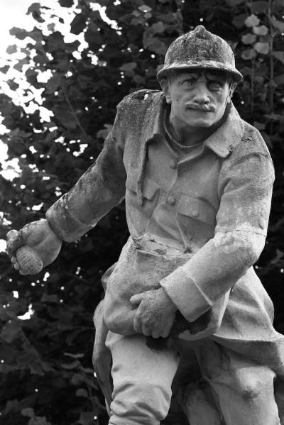 Serge-Philippe-Lecourt-2015-Monument-aux-morts-Routot-27-29