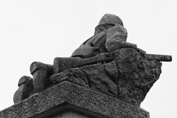 Serge-Philippe-Lecourt-2015-Monument-aux-morts-St-Germain-de-Tallevende-14-17