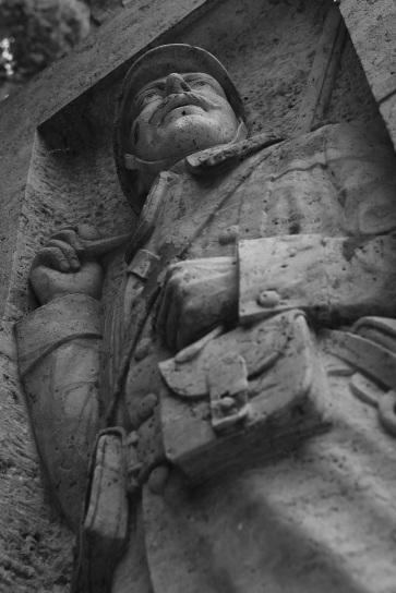 Serge-Philippe-Lecourt-2015-Monument-aux-morts-Breteuil-27-15