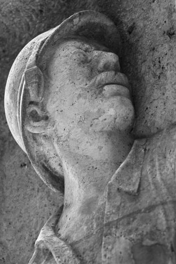 Serge-Philippe-Lecourt-2015-Monument-aux-morts-Breteuil-27-98