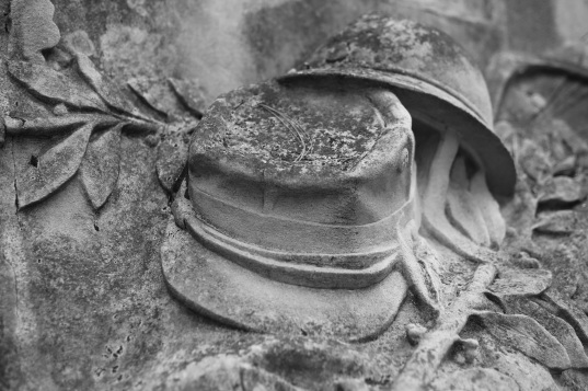Serge-Philippe-Lecourt-2015-11-11-Bayeux-monument-aux-morts-9