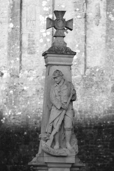 Serge-Philippe-Lecourt-2015-Monument-aux-morts-St-Marcouf-50-39
