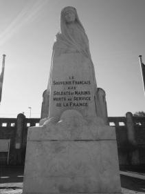 Serge-Philippe-Lecourt-2015-11-01-Monument-aux-morts-cimetiere-Octeville-58