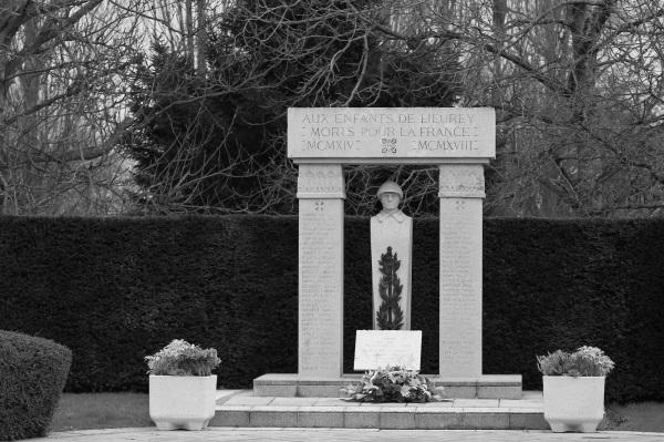 Serge-Philippe-Lecourt-2015-Monument-aux-morts-Le-Lieurey-27-1