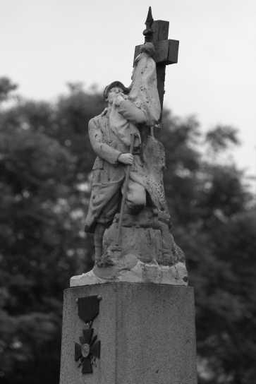 serge-philippe-lecourt-2014-monument-aux-morts-le-plessis-grimoult-14-5