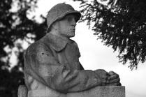 Serge-Philippe-Lecourt-2015-Monument-aux-morts-Brionne-27-10