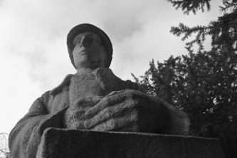 Serge-Philippe-Lecourt-2015-Monument-aux-morts-Brionne-27-18