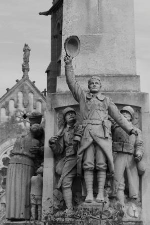 Serge-Philippe-Lecourt-2015-Monument-aux-morts-Ferte-Mace-61-3