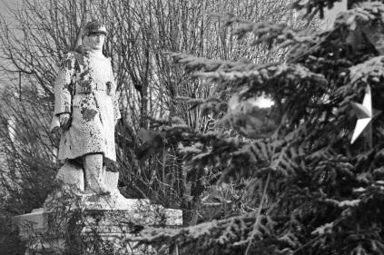 Serge-Philippe-Lecourt-2015-Monument-aux-morts-Granville-Manche-10