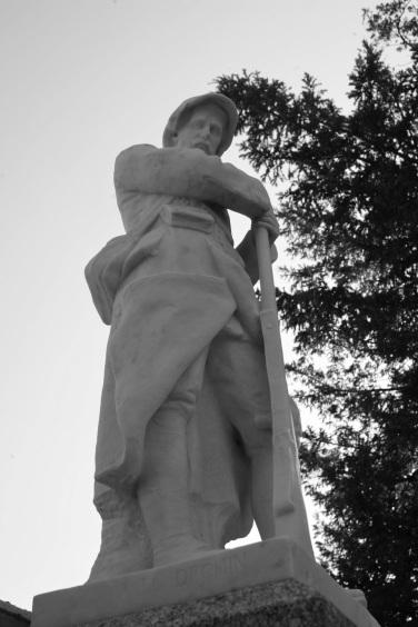 Serge-Philippe-Lecourt-2015-Monument-aux-morts-St-Sauveur-le-Vicomte-50-3