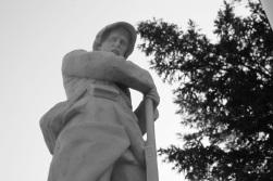Serge-Philippe-Lecourt-2015-Monument-aux-morts-St-Sauveur-le-Vicomte-50-4