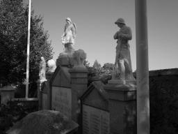 Serge-Philippe-Lecourt-2015-Monument-aux-morts-St-Sauveur-le-Vicomte-50-46
