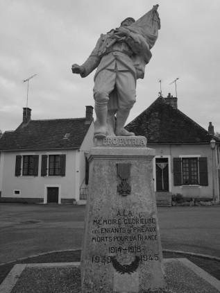 Serge-Philippe-Lecourt-2015-Monument-aux-morts-Préaux-du-Perche-61-26