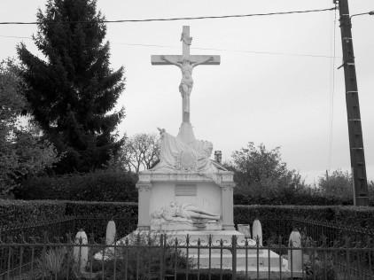 Serge-Philippe-Lecourt-2015-Monument-aux-morts-St-Jouin-de-Blavou-61-49