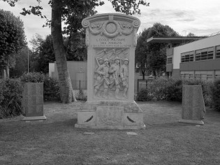 serge-philippe-lecourt-2016-monument-aux-morts-les-andelys-27