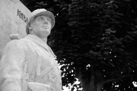 Serge-Philippe-Lecourt-2016-Monument-aux-morts-Neufchatel-en-Bray-76 (12)