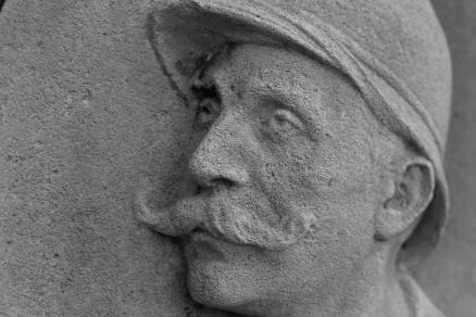 serge-philippe-lecourt-2015-monument-aux-morts-tilly-sur-seulles-7