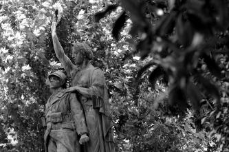 serge-philippe-lecourt-2016-monument-aux-morts-gisors-27-12