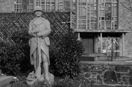 serge-philippe-lecourt-2015-monument-aux-morts-villebaudon-50-2