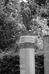 serge-philippe-lecourt-2016-monument-aux-morts-lyons-la-foret-27-23