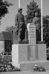 serge-philippe-lecourt-2014-05-monument-aux-morts-loudeac-22-6