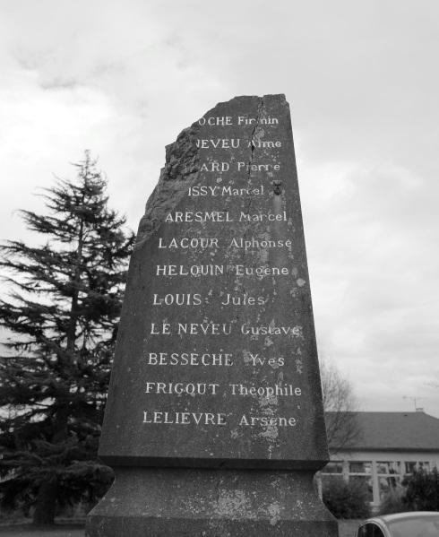 serge-philippe-lecourt-2016-monument-aux-morts-benouville-14-4