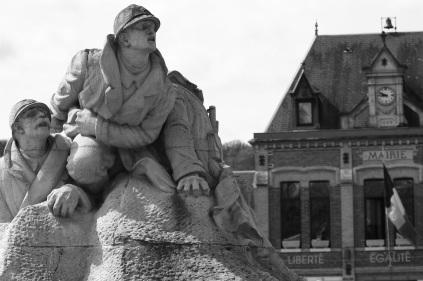 serge-philippe-lecourt-2016-monument-aux-morts-le-houlme-76-21