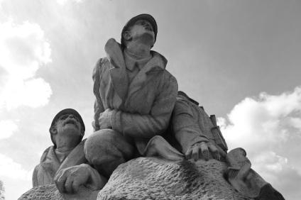 serge-philippe-lecourt-2016-monument-aux-morts-le-houlme-76-40