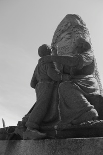 Serge-Philippe-Lecourt-2014-Monument-aux-morts-Quintin-22-5