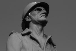 Serge-Philippe-Lecourt-2015-Monument-aux-morts-Blosville-50-48