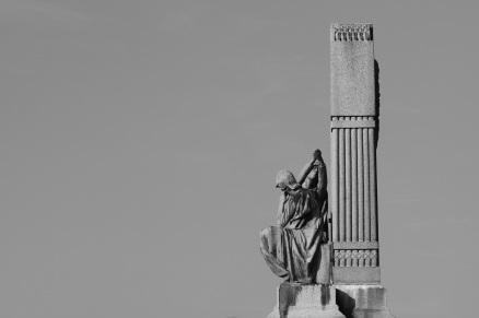 Serge-Philippe-Lecourt-2016-10-Vire-eglise-monument-aux-morts-59