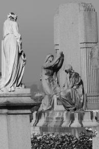 Serge-Philippe-Lecourt-2016-10-Vire-eglise-monument-aux-morts-81
